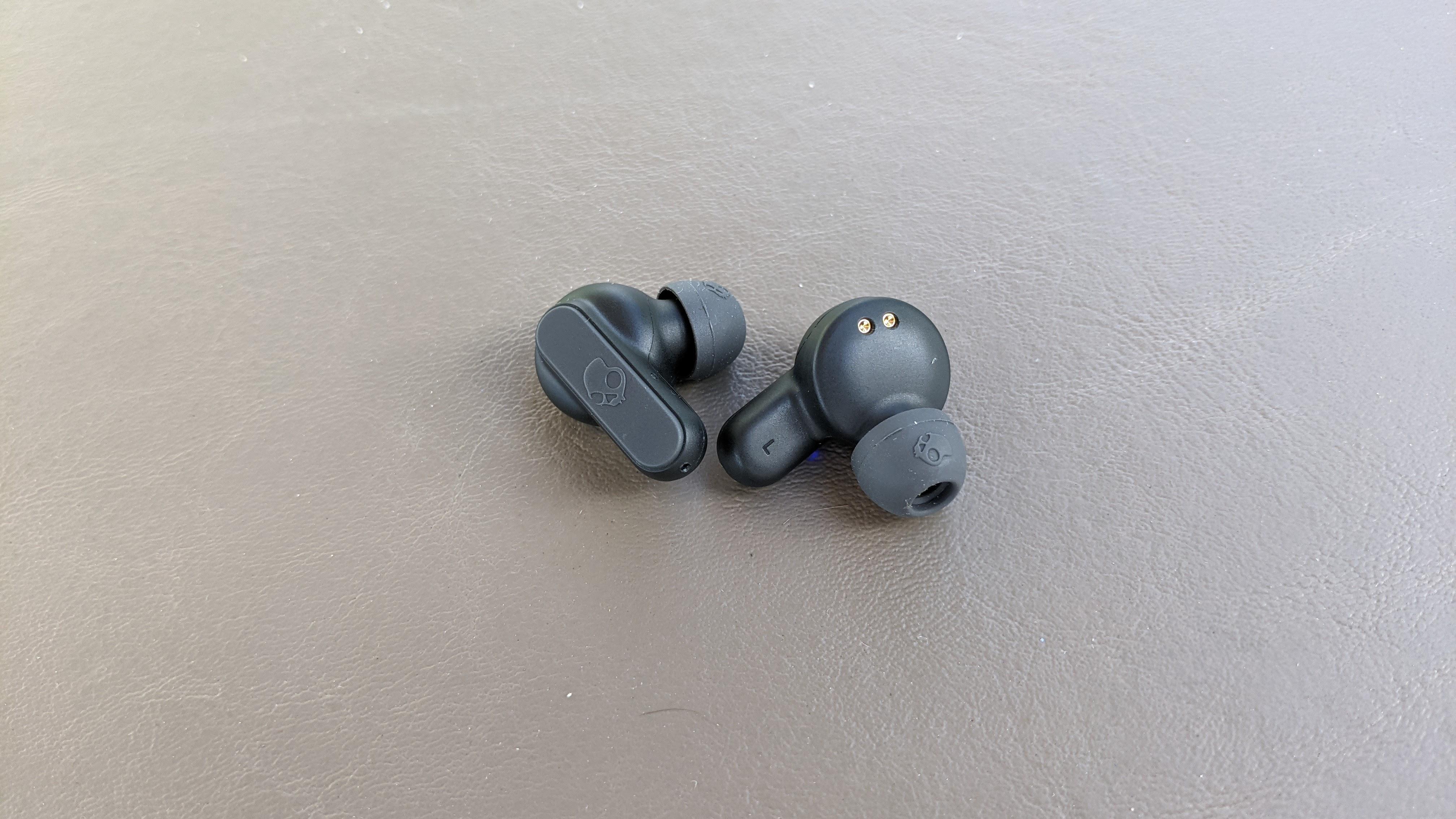 Los mejores auriculares baratos: Skullcandy Dime