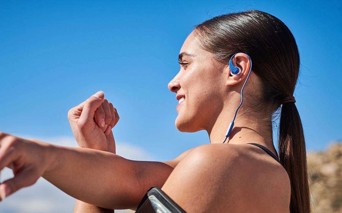 los mejores auriculares baratos: JBL Endurance Run